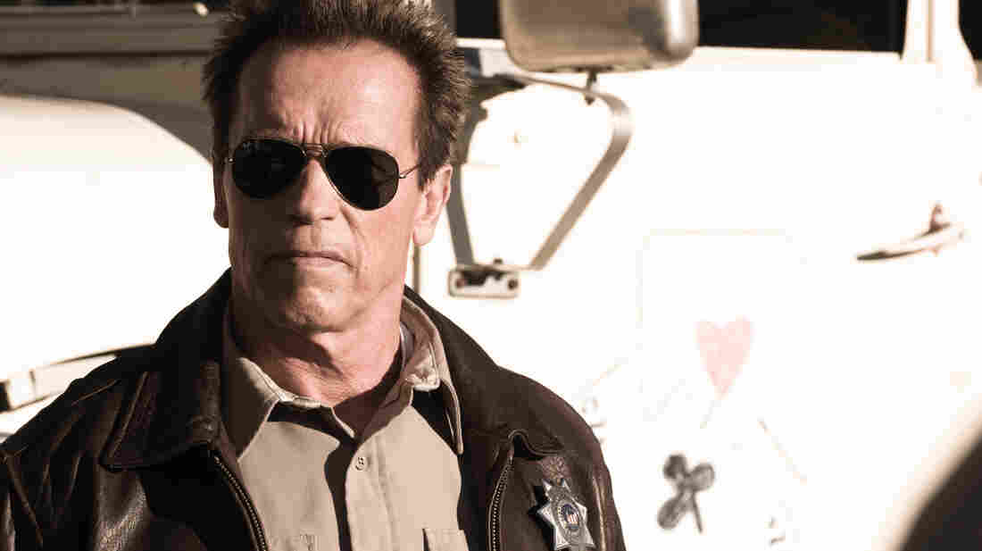 Sheriff Ray Owens (Arnold Schwarzenegger) faces off with vicious drug smugglers in The Last Stand.