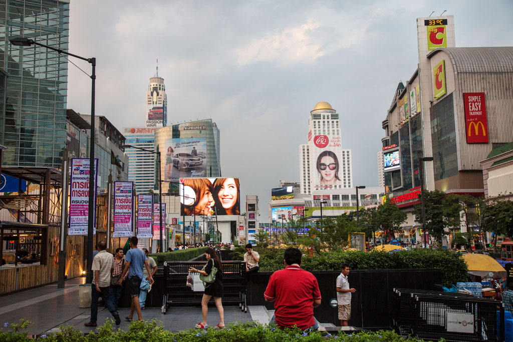 The shopping district surrounding Central World Mall was the scene of violent demonstrations in 2010. Protesters set the mall on fire and clashes with the government resulted in 100 deaths.