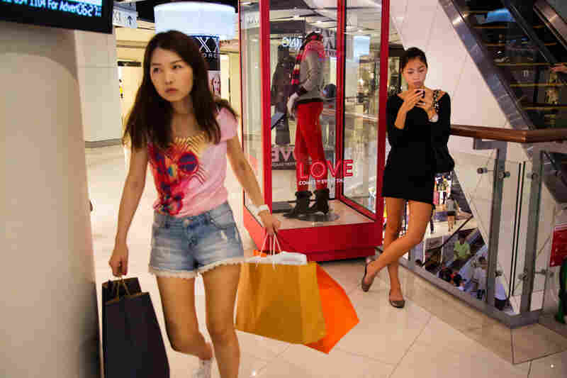"The Central World Mall in downtown Bangkok caters to ""hi-so,"" Thai slang for ""high society."""