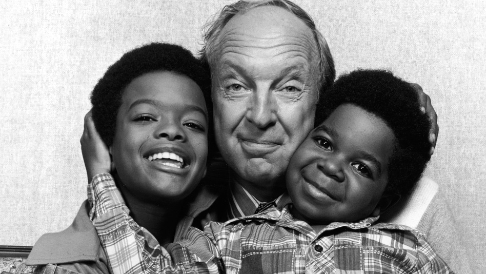 Conrad Bain, with actors Todd Bridges (left) and Gary Coleman (right) in 1978 when they were starring on Diff'rent Strokes. (Getty Images)