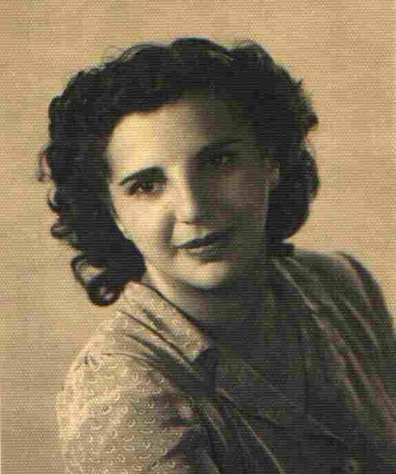 Frida Misul, a singer from Livorno, Italy, was deported to Fossoli and eventually was at Auschwitz. She survived World War II and died in 1992.