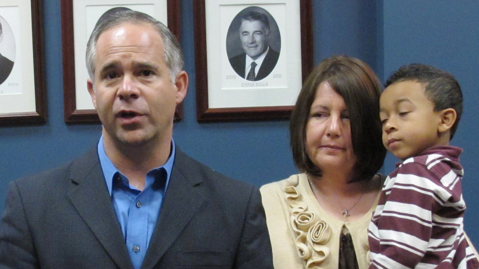 Republican Rep. Tim Huelskamp, shown in June 2012, says the U.S. won't default unless the president chooses to let it happen. (AP)