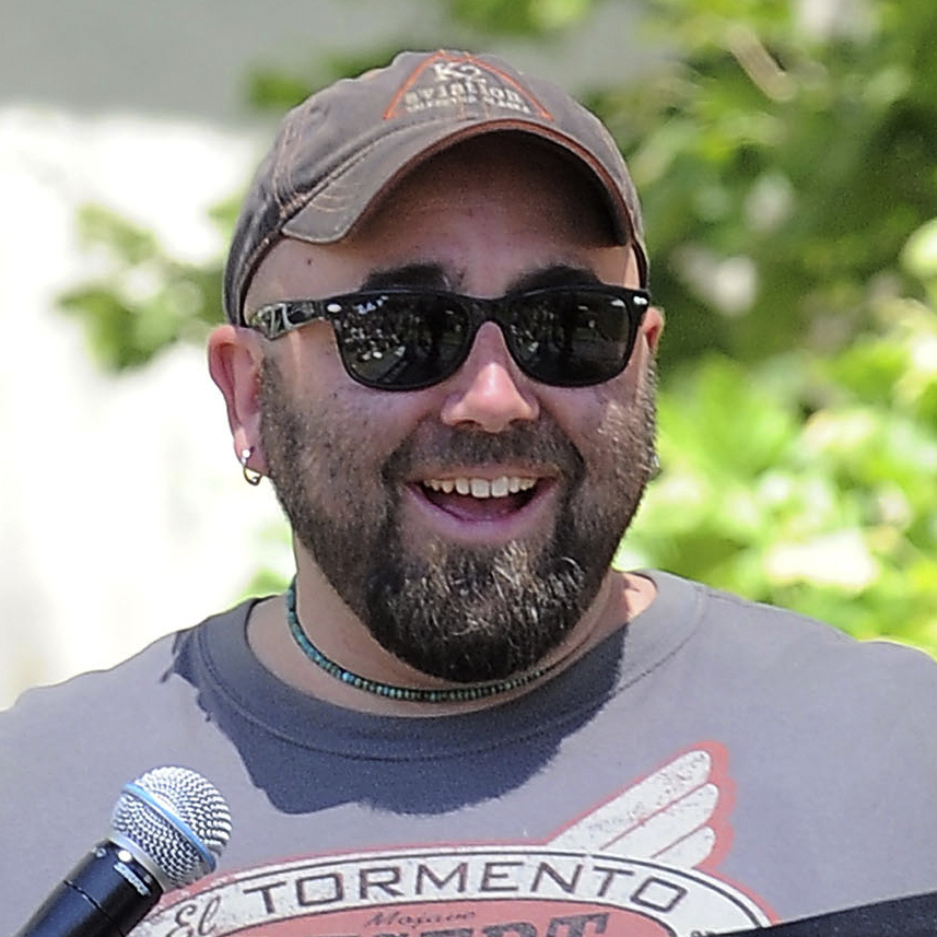 Food Network star Duff Goldman and his team of cake makers will be serving their country on Monday.