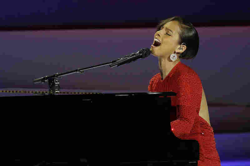Alica Keys performs during inaugural ball at the Washington Convention Center.