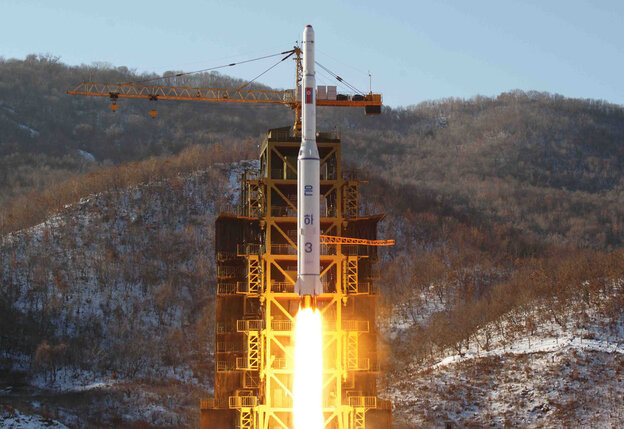 This picture taken by North Korea's official Korean Central News Agency on December 12, 2012 shows North Korean rocket Unha-3, carrying the satellite Kwangmyongsong-3.