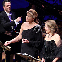 "Reneé Fleming (right) and Susan Graham -- two ""cheerful Americans"" often mistaken for each other -- are planning an intimate evening of French song."