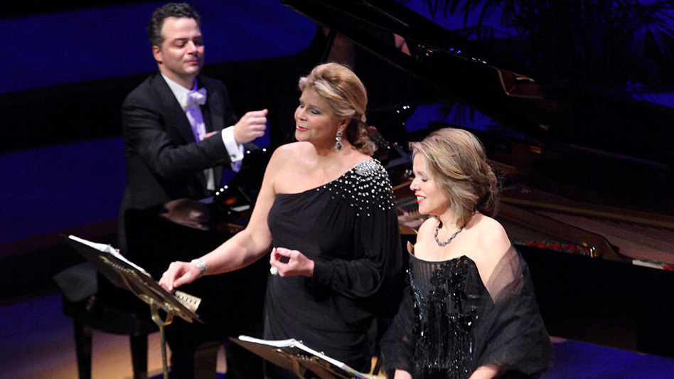 """Reneé Fleming (right) and Susan Graham — two """"cheerful Americans"""" often mistaken for each other — are planning an intimate evening of French song. (Craig T. Mathew/Mathew Imaging )"""