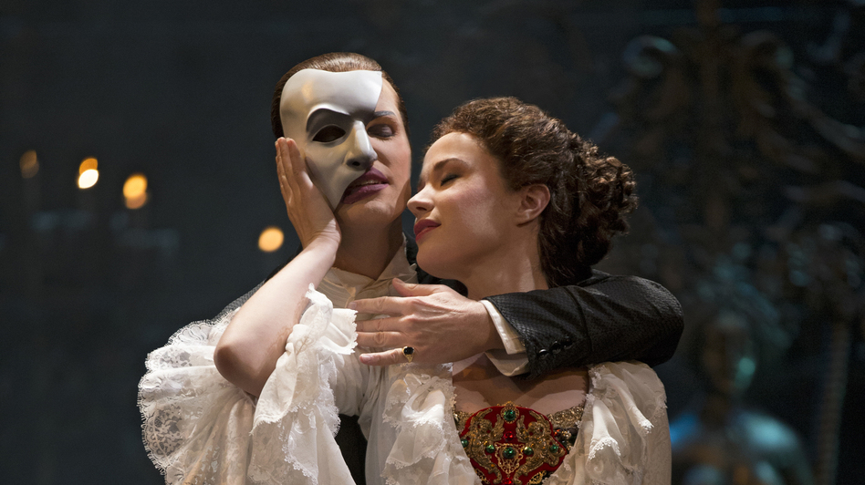 Hugh Panaro is The Phantom and Sierra Boggess is Christine in the 25th anniversary cast of The Phantom of the Opera on Broadway. (Joan Marcus)