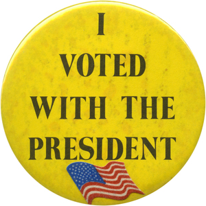 Bush supporters wore these Persian Gulf war-related buttons during the 1991 SOTU. But the war was a distant memory in '92.