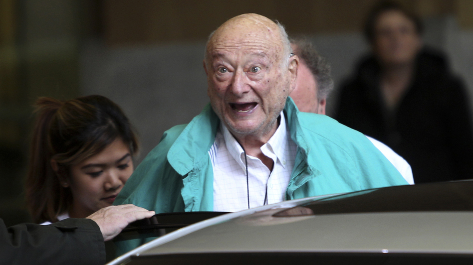 New York City Mayor Ed Koch says goodbye to reporters as he gets in his car after being released from a New York hospital on Dec. 12, 2012. (AP)