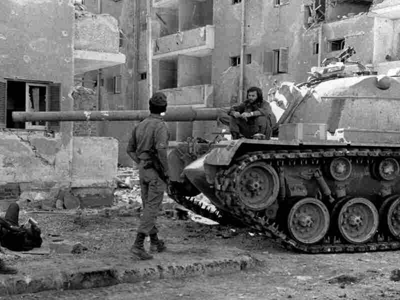 Israeli soldiers take a break near Suez City in Egypt on Oct. 29, 1973. The Egyptian military made advances against Israeli forces in the first days of the war, but Israel's army eventually recovered.