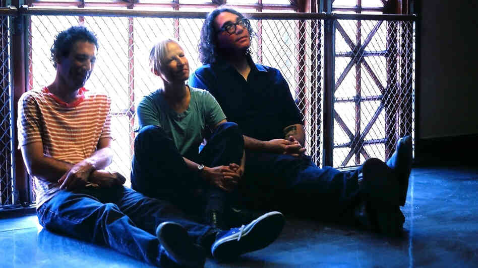 Yo La Tengo's new album is titled Fade.