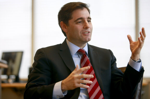 "FCC Chairman Julius Genachowski last year warned of a ""war on Wi-Fi."""