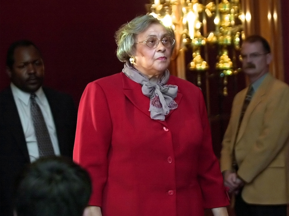 Essie Mae Washington-Williams, daughter of the late Sen. Strom Thurmond (R-S.C.), speaks to reporters on Wednesday, Dec. 17, 2003.