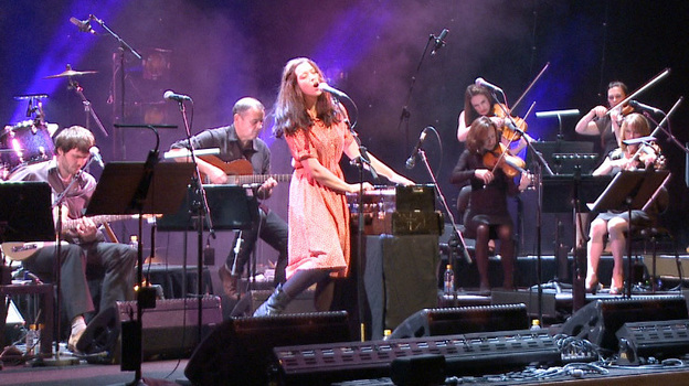 Lisa Hannigan performs in one of several live concerts for a new tribute album, Way to Blue: The Songs of Nick Drake. (Courtesy of the artist)