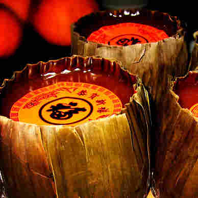 Year cakes made of sticky rice are among the traditional Chinese New Year foods.