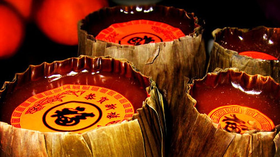 Year cakes made of sticky rice are among the traditional Chinese New Year foods. (Flickr.com)