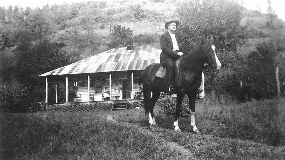 Fiddler Bill Stepp in Kentucky's Magoffin County in the 1930s.