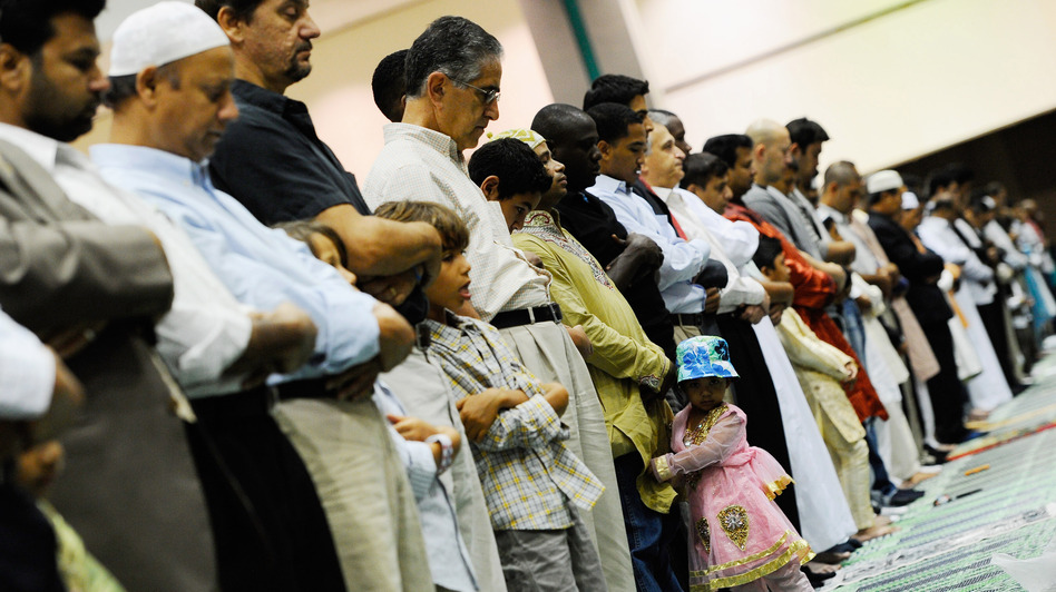 Muslims pray during a special Eid ul-Fitr morning prayer at the Los Angeles Convention Center on Aug. 30, 2011, in Los Angeles. (Getty Images)
