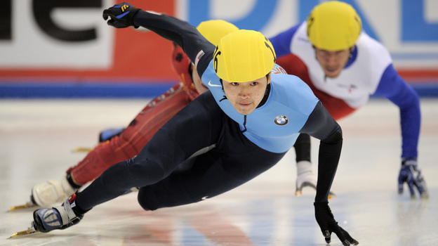 Simon Cho competes in the men's 500-meter finals at the 2011 ISU World Cup short track speedskating final in Dresden, Germany. He won the event. (AFP/Getty Images)