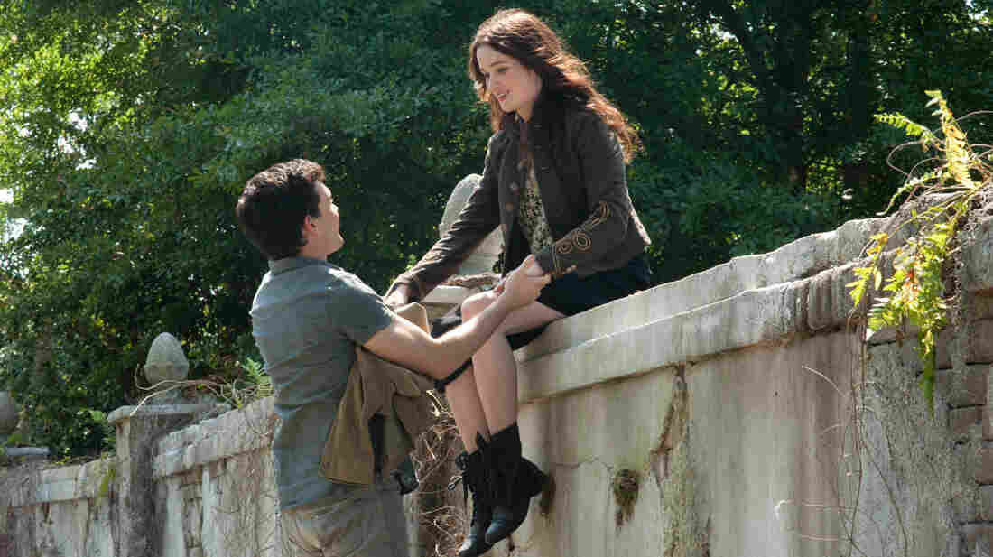 Star-crossed Southern lovers Ethan (Alden Ehrenreich) and Lena (Alice Englert) battle small-town prejudice and mystical evil forces in Beautiful Creatures.