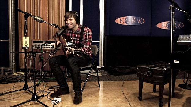 Ben Gibbard performs live on KCRW. (KCRW)