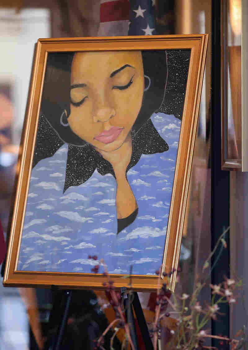 At a Chicago funeral home last week, a painting of 15-year-old shooting victim Hadiya Pendleton stood at the entrance.