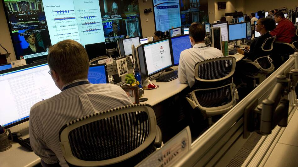Homeland Security analysts watch for threats to U.S. technological infrastructure at the National Cybersecurity and Communications Integration Center. (AFP/Getty Images)