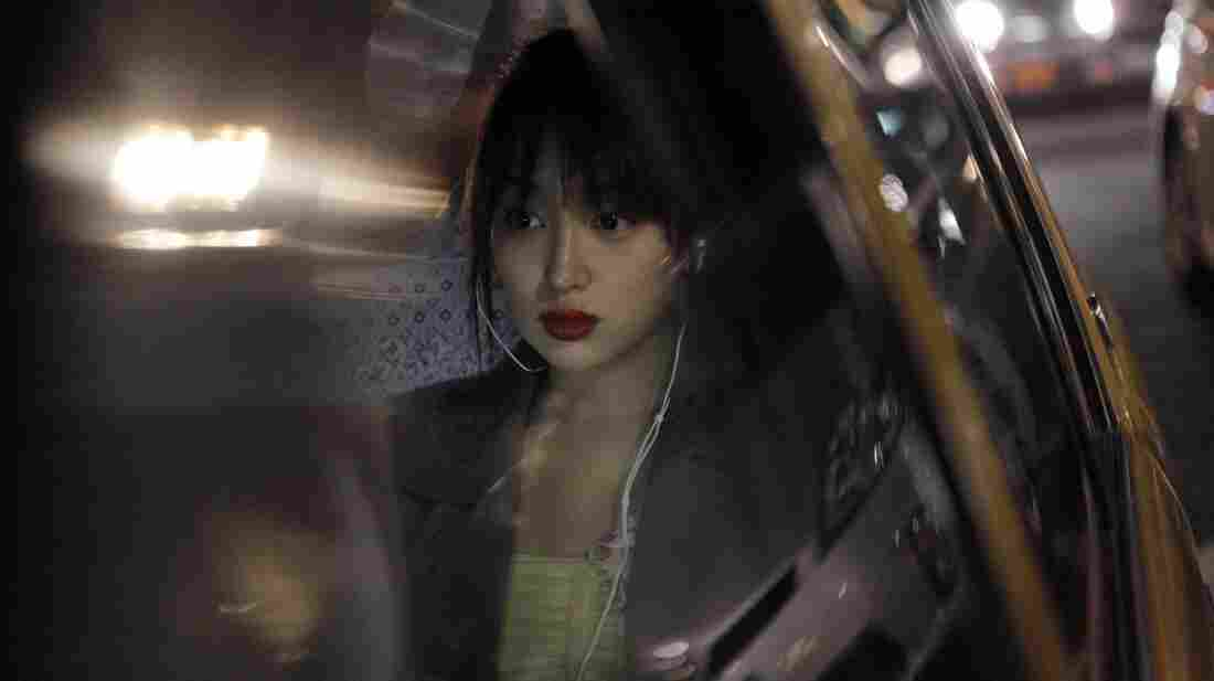Akiko (Rin Takanashi) is a young call girl and university student in modern Tokyo who hesitantly befriends an elderly male client.