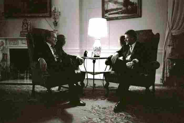 Former President Richard Nixon visits with