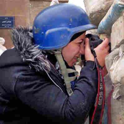 Conflict Transforms Syrian English Teacher Into War Photographer
