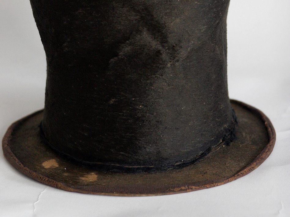 Abraham Lincoln's iconic stovepipe hat is on display at the Abraham Lincoln Presidential Library and Museum in Springfield, Ill. (AP)