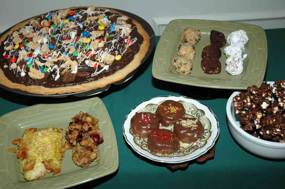 What do savory lemon fish and stuffing (lower left) have in common with dessert pizza, bourbon balls and other sweets? They're all made with Girl Scout cookies.