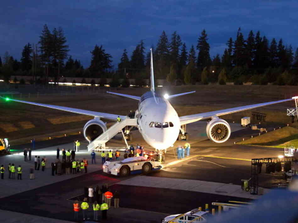 The first Boeing 787-881 Dreamliner delivered to