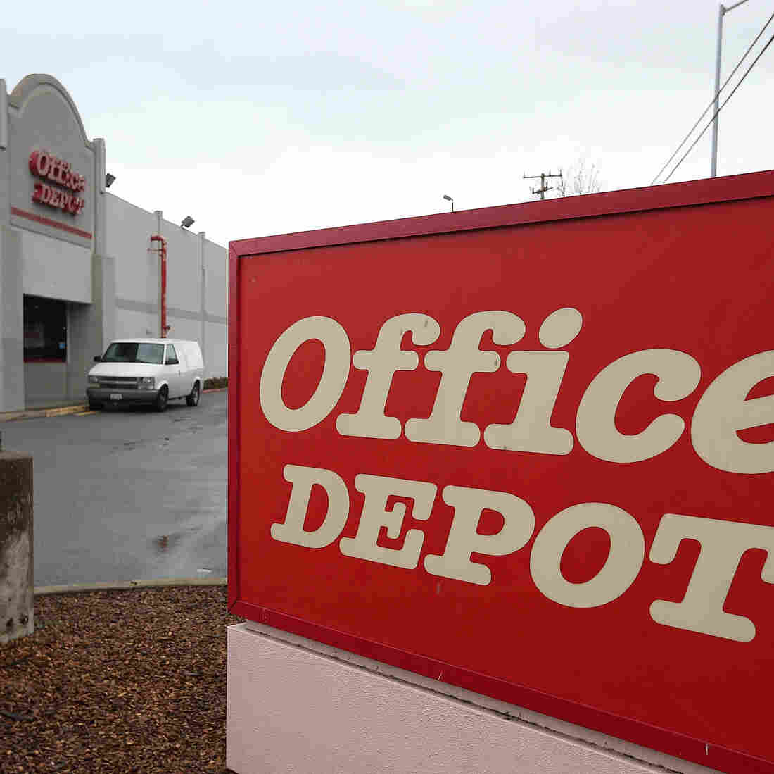 OfficeMax, Office Depot Confirm Merger Deal