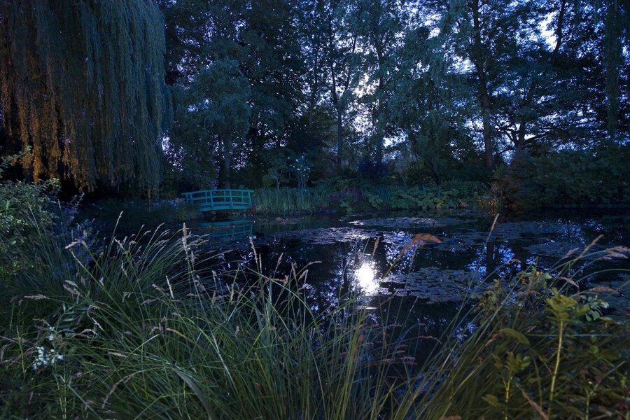 The Japanese Bridge, Claude Monetu0027s Garden, Giverny, France