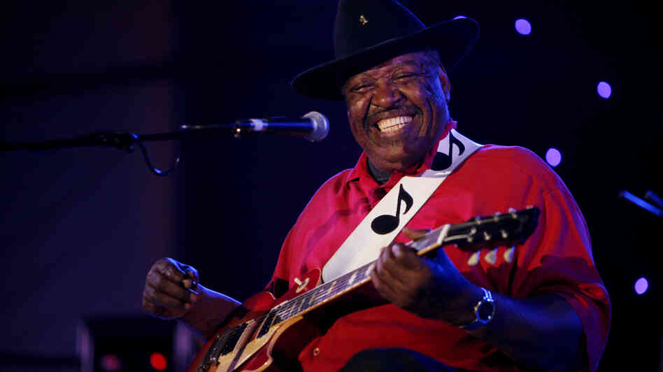 Magic Slim performing in Memphis in April of 2011.