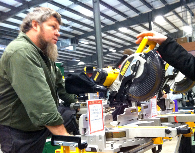 At A Trade Show, Power Tools Fit For The Amish