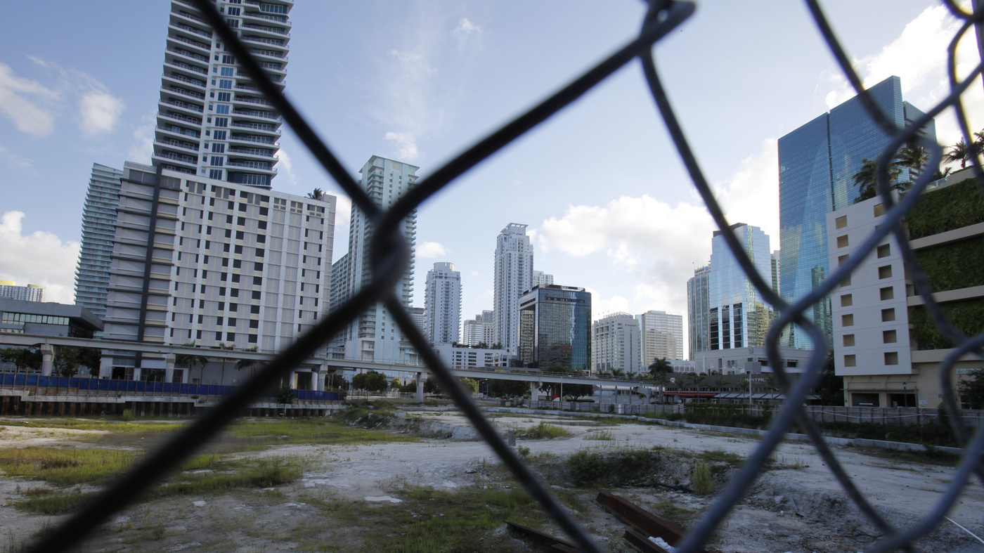Collapse Of Florida Condo Boom >> In Miami A New Condo Boom Revives Hopes Of Housing Recovery Npr