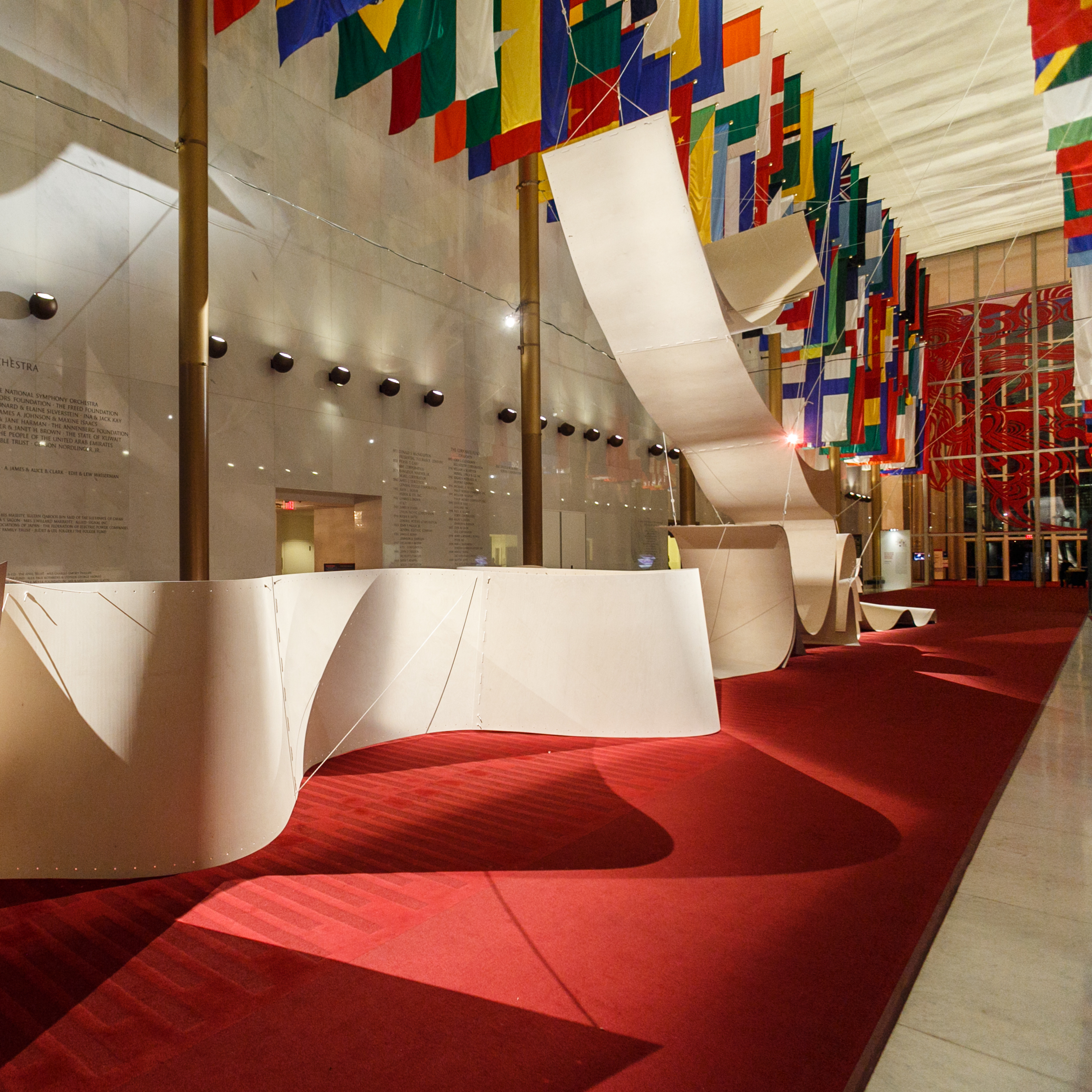 The Hall of Nations is transformed by a plywood installation called Sup-Plywood, or How to Be Singular in the Plural. Plywood is one of the most used materials in Nordic design. The installation was created by the Norwegian architecture firm Snohetta.