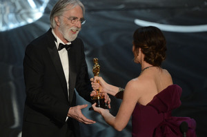Michael Haneke accepts the Oscar for