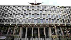The U.S. Embassy in central London in 2009.