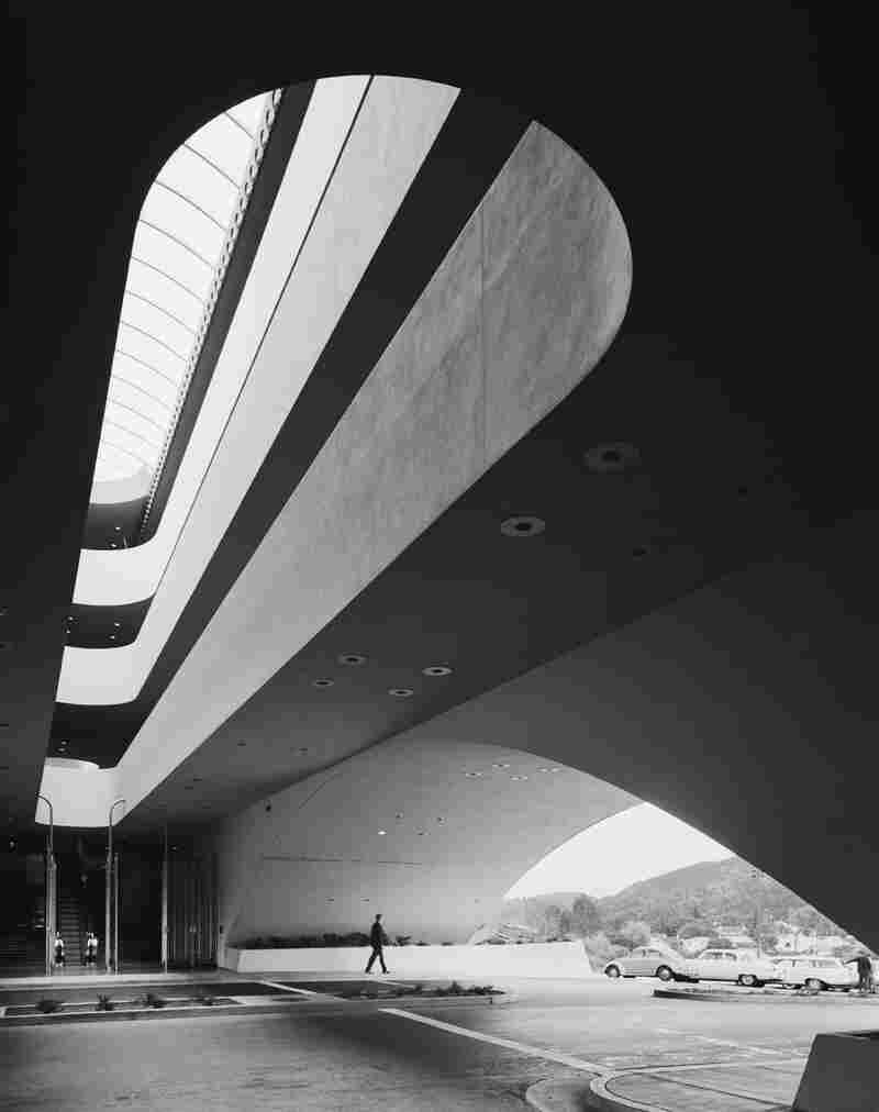 Marin County Civic Center, Frank Lloyd Wright, San Rafael, Calif., 1963