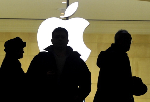 Judge Throws Out Half Of Jury Award In Apple, Samsung Patent Case