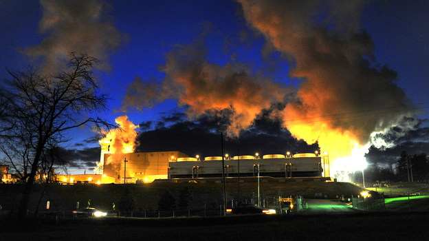 American Electric Power's natural gas-burning plant in Dresden, Ohio, is one of the energy company's new investments in alternatives to coal-burning plants. (The Washington Post/Getty Images)