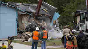 At Florida Sinkhole, Demolition Continues