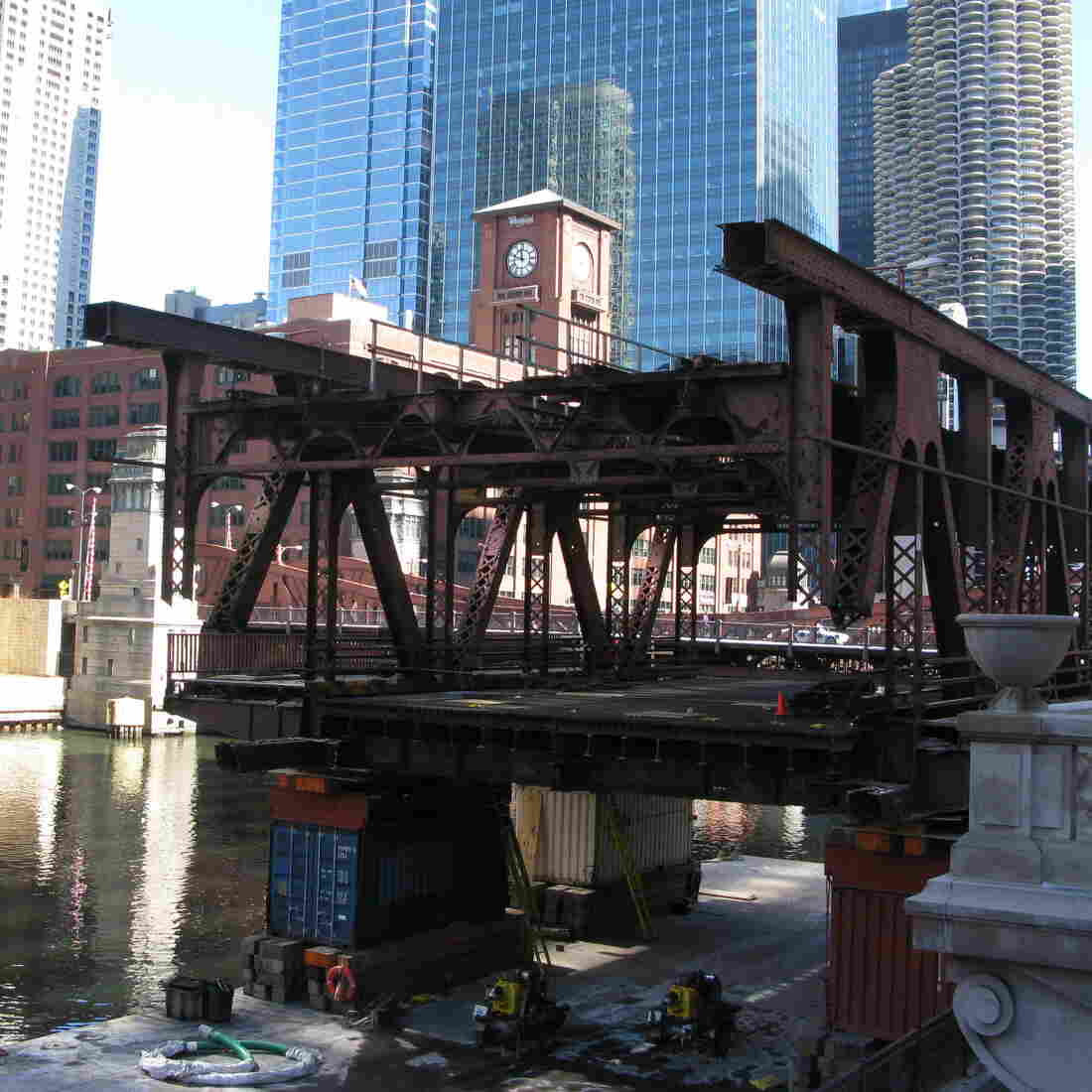 A Chicago Bridge Gets A Complicated Overhaul