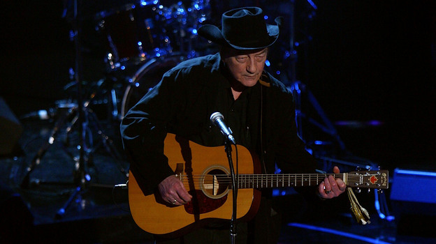 Stompin' Tom Connors performs at the 2008 NHL Awards at  Elgin Theatre in Toronto, Canada. (Getty Images)