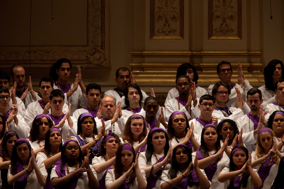 Members of the Forest Hills High School Concert Choir,the Frank Sinatra School of the Arts Concert Choir and Songs of Solomon singing in Golijov's St. Mark Passion. (For NPR)
