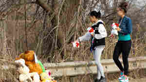 Friends and family of the six teenagers killed in a car crash brought stuffed animals and other memorials to the site Sunday in Warren, Ohio.